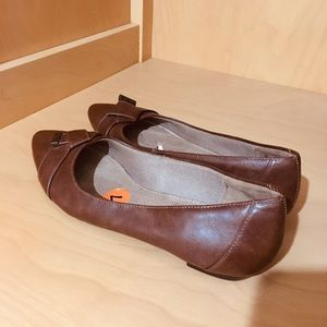 Life Stride Faux Leather Flats